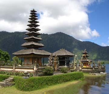 temple-on-lake-2