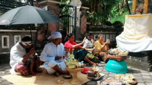 Balinese ceremony for Villa Tirta Indah temple birthday